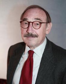 Dr. Roland Urban